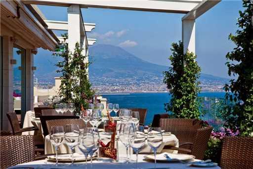 Grand Hotel Vesuvio Restaurant Außenbereich