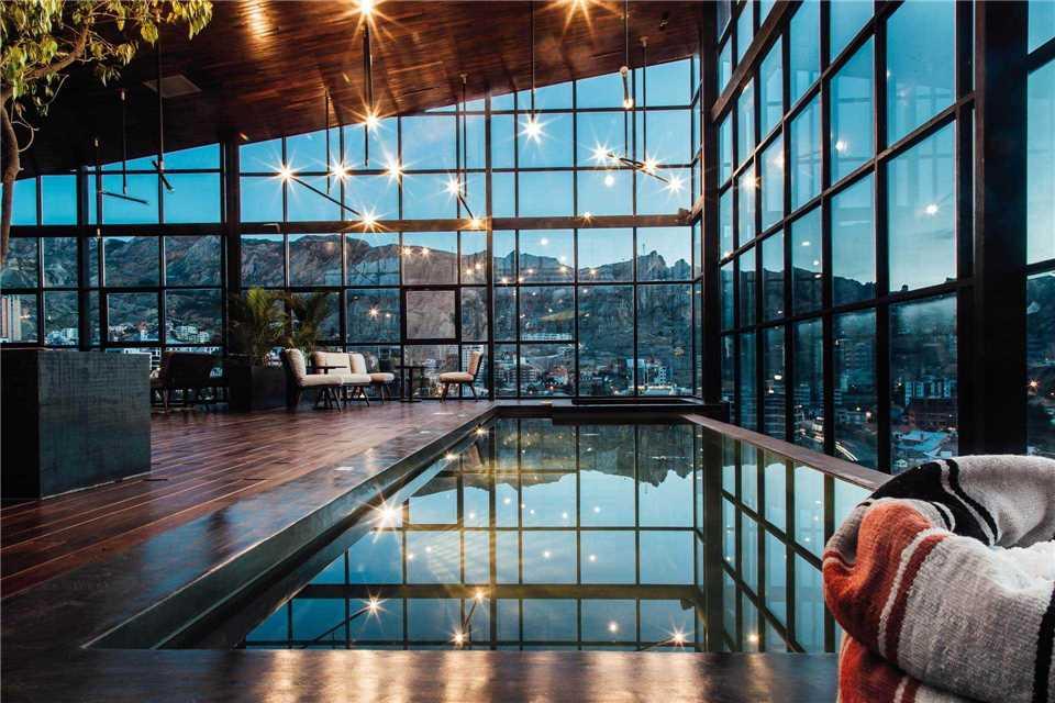 Atix Hotel Poolansicht