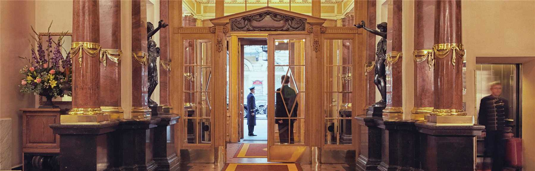 Belmond Grand Hotel Europe Eingang