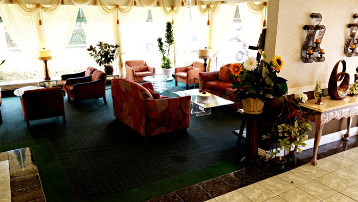 Pacific Gardens Hotel Lounge