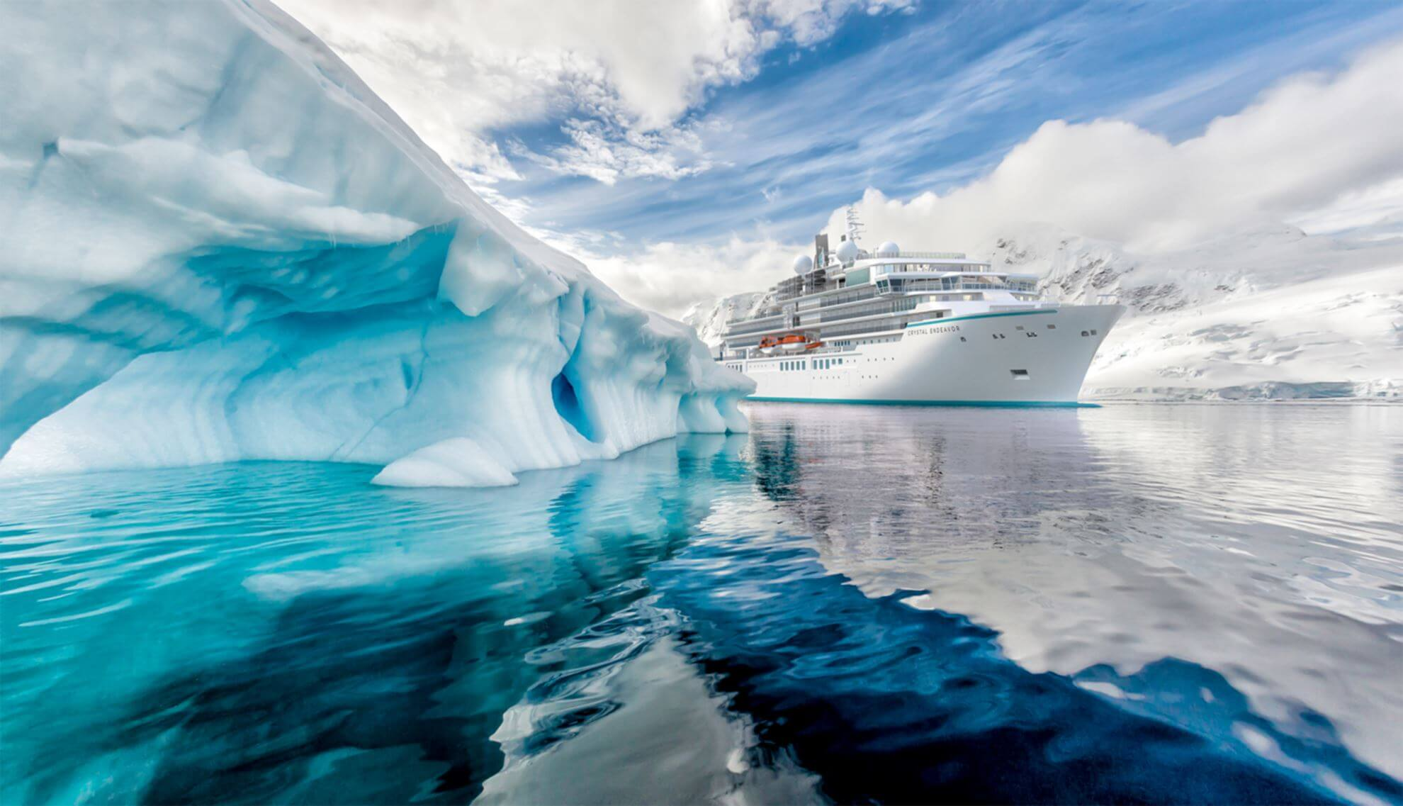 Crystal Cruises Crystal Endeavor Außenaufnahme