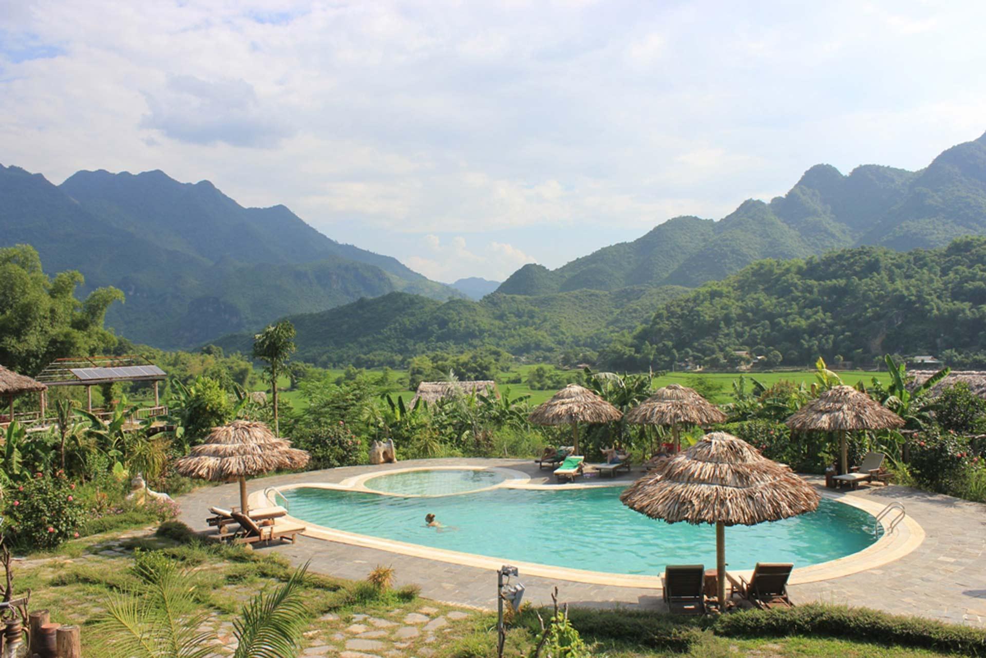 Mai Chau Ecolodge Poolblick