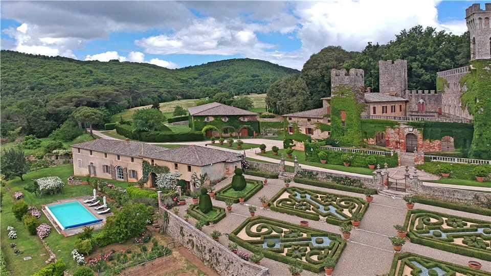 Villa La Limonaia und Castello di Celsa Außenansicht - Toskana