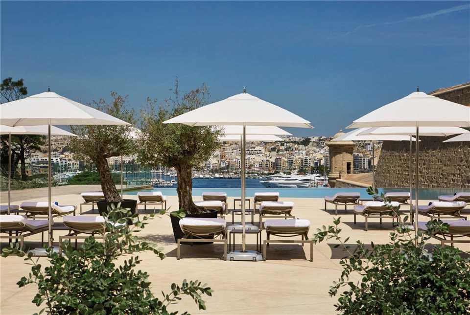 The Phoenicia Malta Liegen
