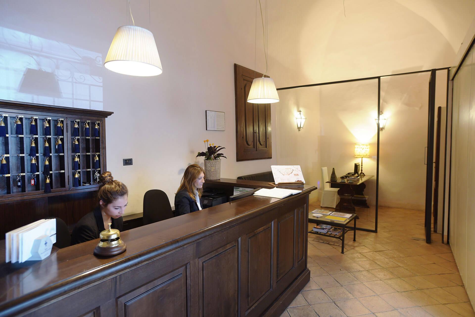 Palazzo Piccolomini Empfangsbereich