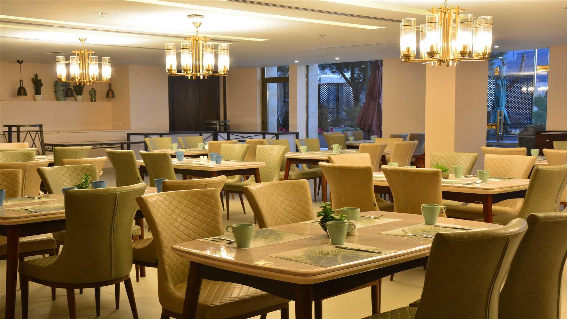 The Sanrock Hotel in Amman Restaurant