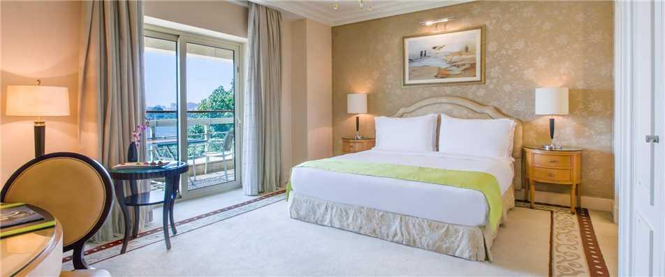Kempinski Nile Hotel Garden City Cairo Deluxe Zimmer