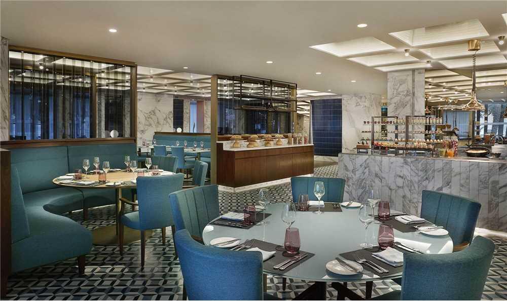 Al Bustan Palace, a Ritz-Carlton Hotel Restaurant