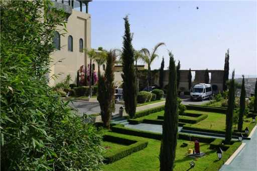 Palais Faraj Suites & Spa Außenanlage