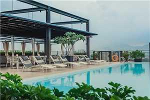 WEIL Hotel Pool