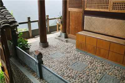 Li an Lodge Foyer