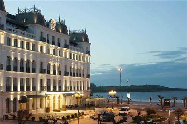 Grand Hotel Sardinero Außenansicht