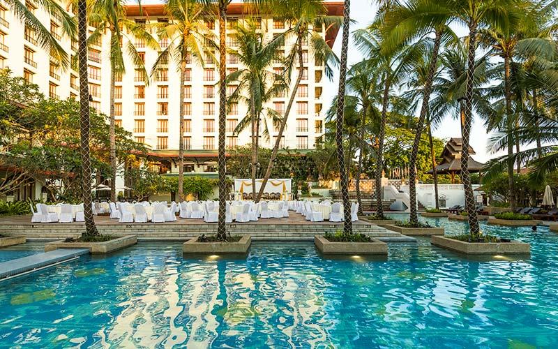 Chatrium Hotel Royal Lake Yangon Pool
