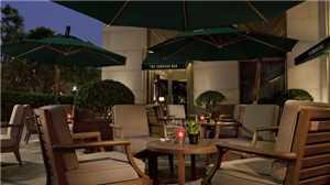 The Peninsula Hotel Terrasse
