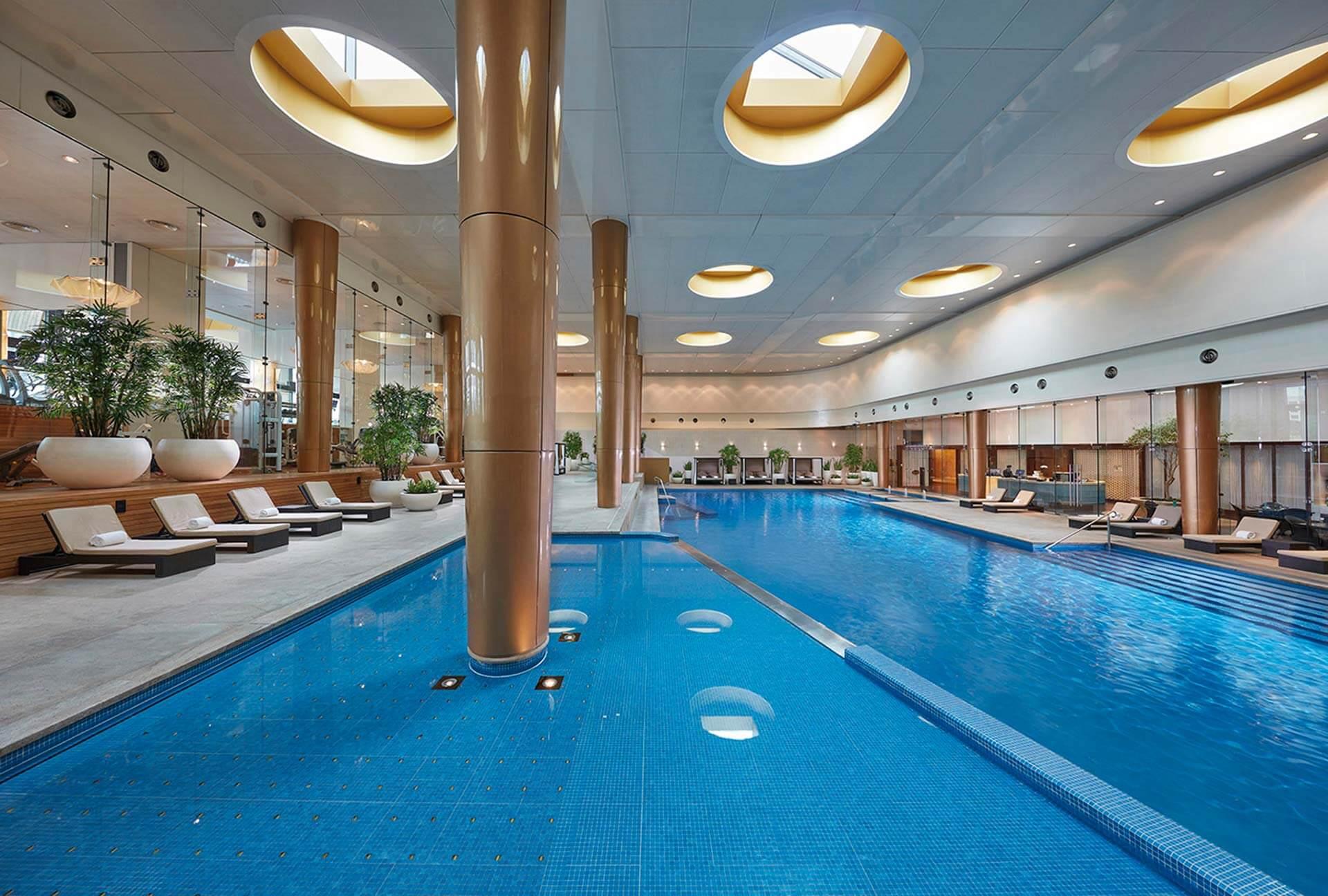 Crown Towers Melbourne Pool