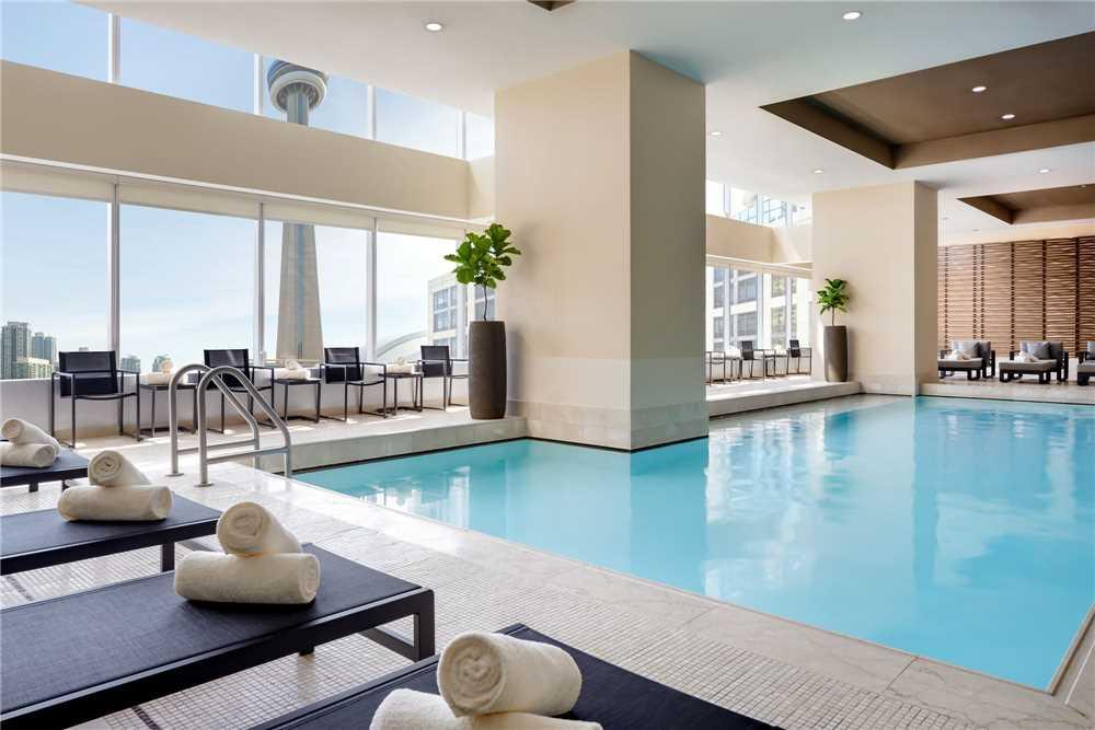 The Ritz Carlton Pool
