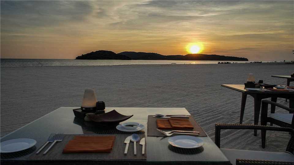 Casa del Mar Langkawi Dinner am Strand