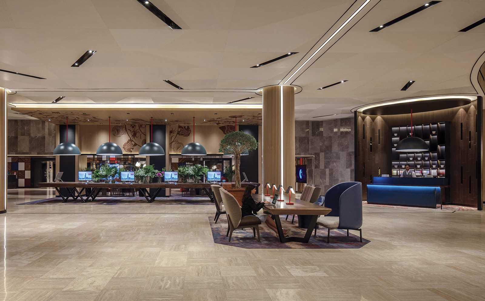 Swissotel The Stamford Lobby