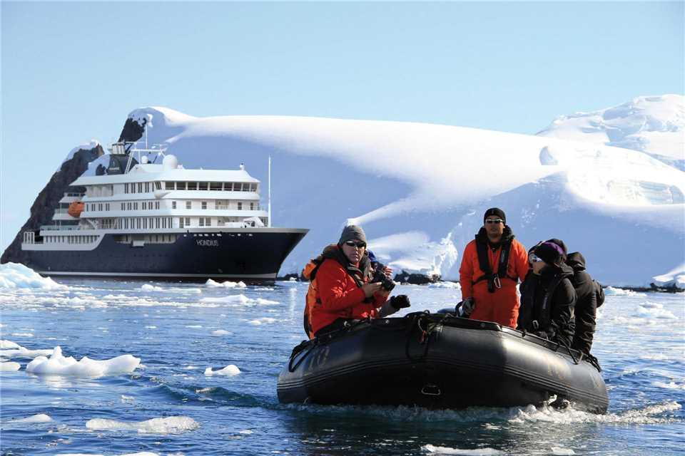 Oceanwide Expedition MS Hondius Zodiacs
