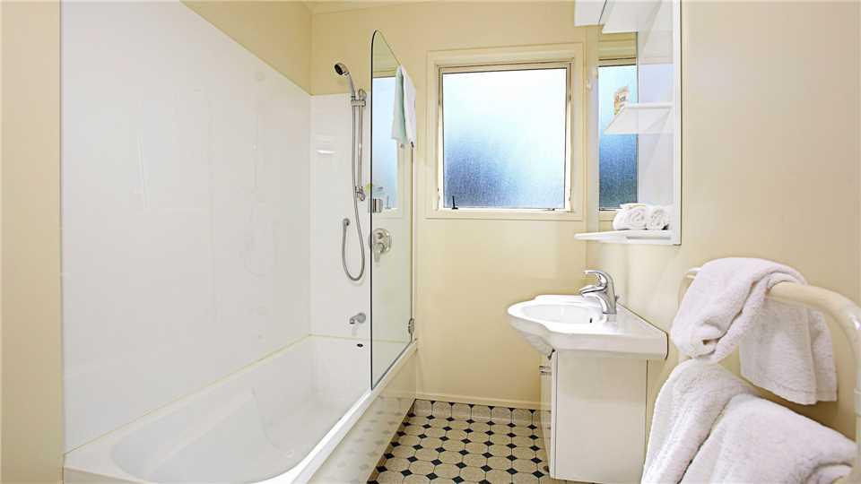 The White Morph Badezimmer