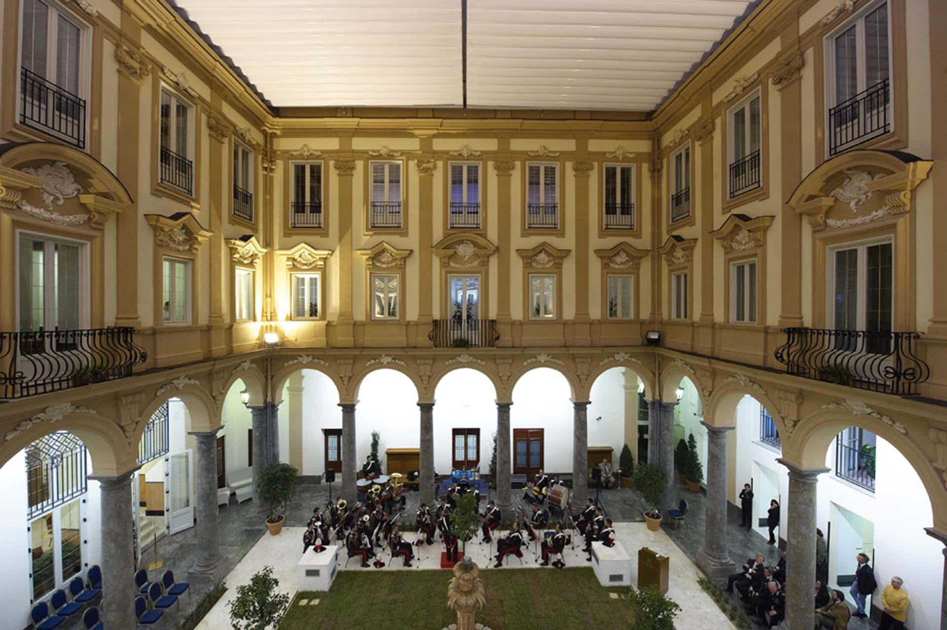 Grand Hotel Piazza Borsa Halle