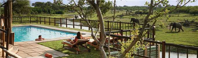 Belmond Eagle Island Camp Aussicht Pool