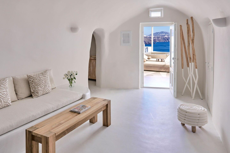 Hotel Mystique Santorini Suite