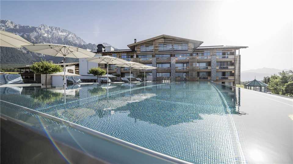 Alpenresort Schwarz Pool
