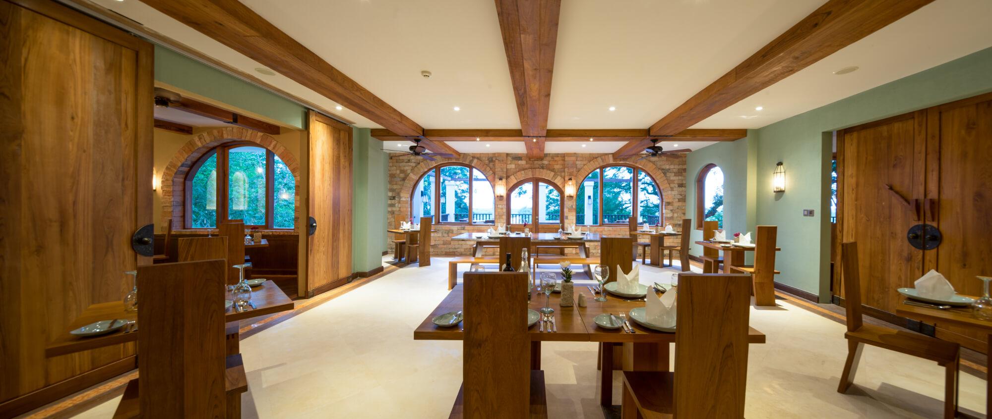 Sanctum Inle Resort Restaurant