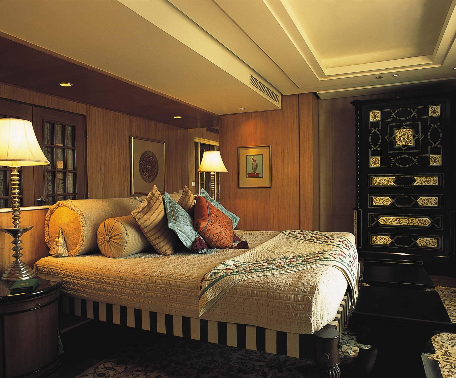 The Oberoi Amarvilas Premier Balcony Room