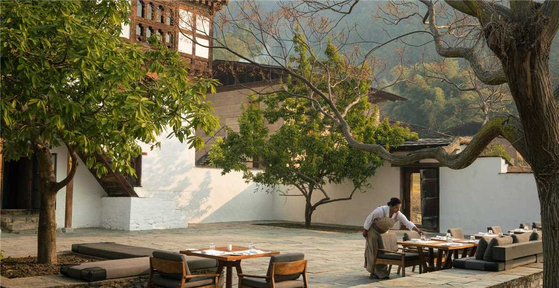 Amankora Punakha Hotel Bhutan Himalaya Innenhof