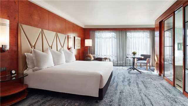Park Hyatt Melbourne One King Guestroom