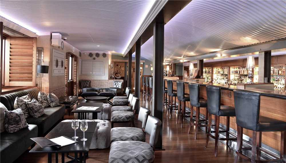 Cape Grace Bascule Bar
