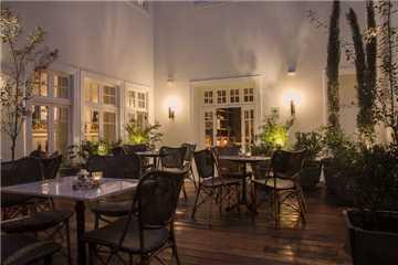 Hotel B Restaurant
