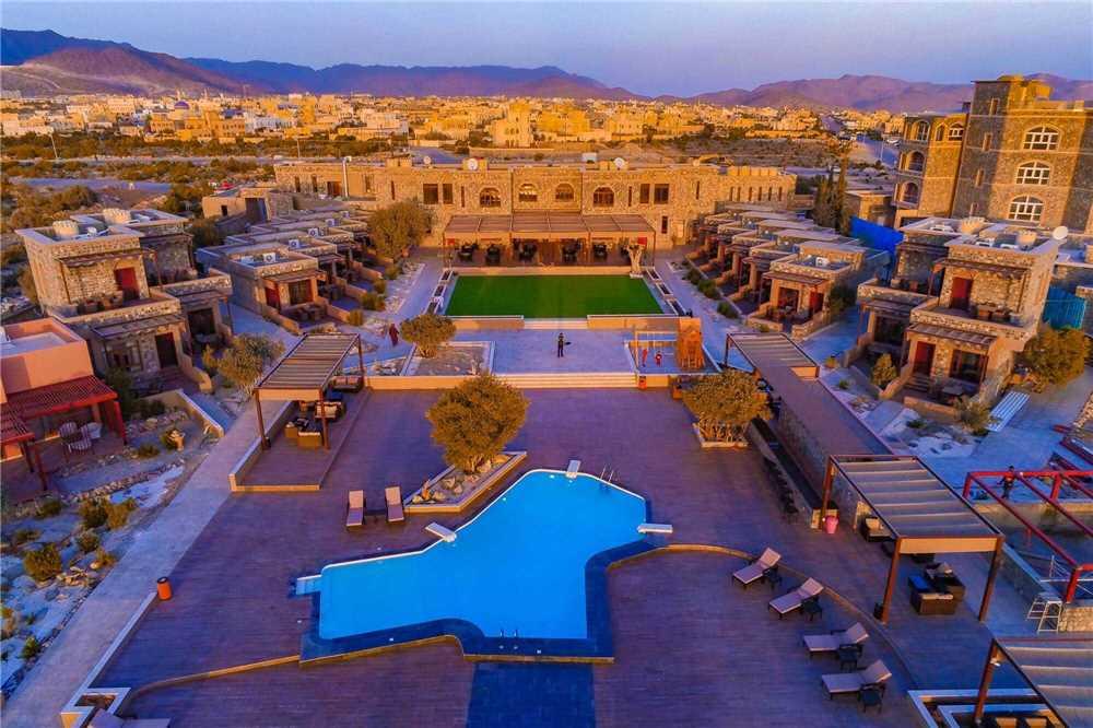 Sahab Resort & Spa Luftaufnahme Pool