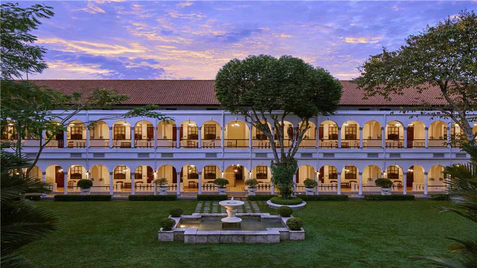 Hotel Majapahit Surabaya - MGallery Außenansicht
