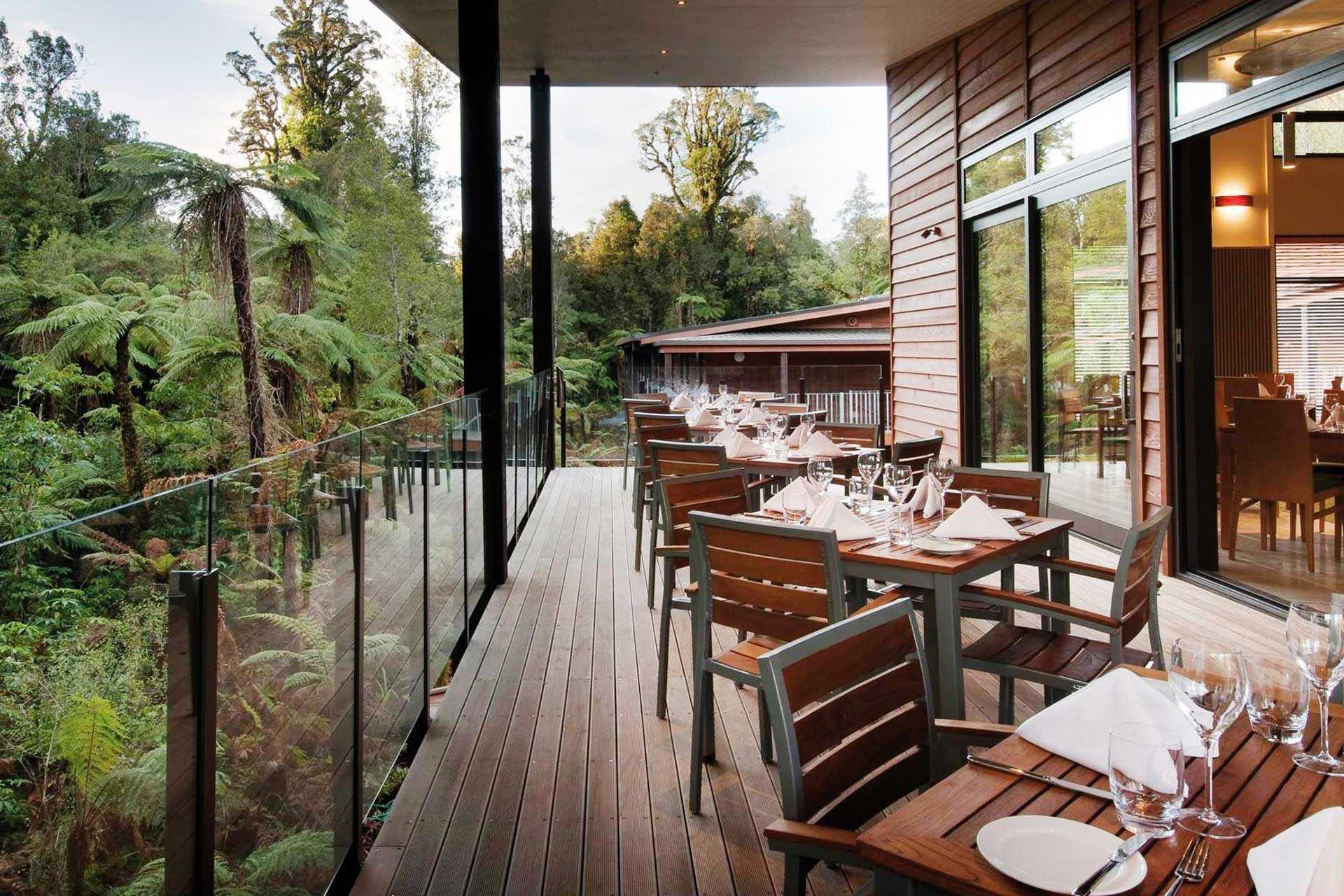 Te Waonui Forest Retreat Restaurant