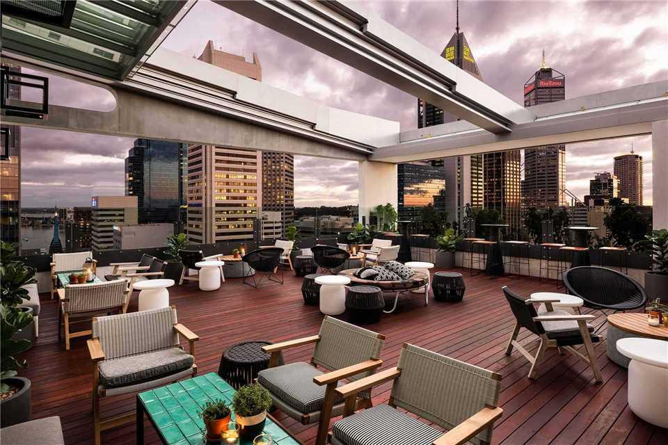 QT Perth Dachterrasse
