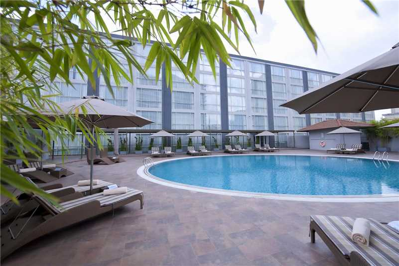 Eastin Grand Hotel Saigon Pool