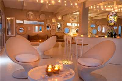 White Pearl Resorts Bar