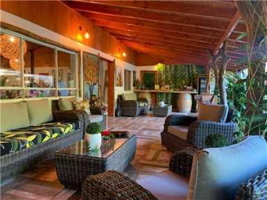 Hare Boutik Lounge