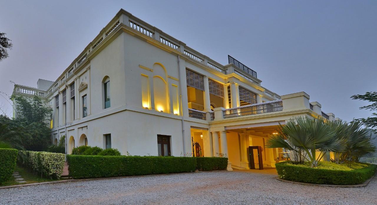 Taj Nadesar Palace Außenansicht