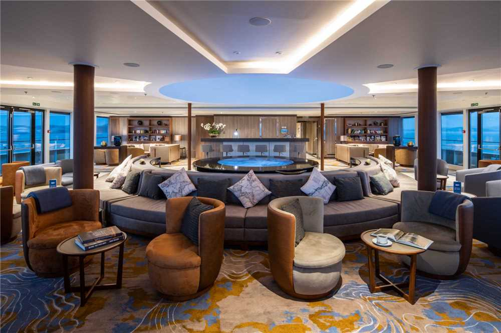 Nicko Cruises World Voyager Observation Lounge