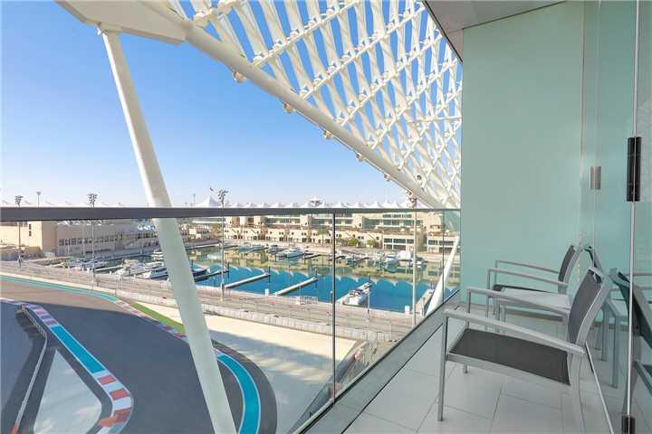 W Abu Dhabi Yas Island Suite