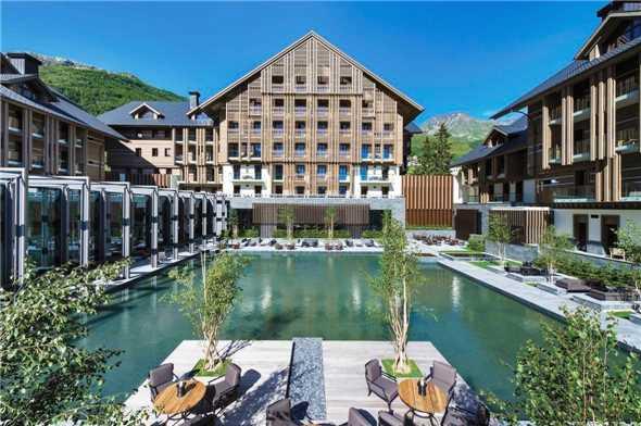 The Chedi Andermatt Hotel mit Pool