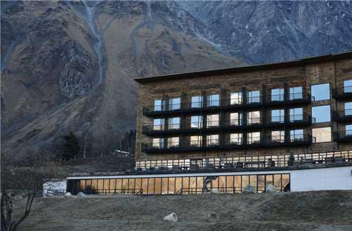 Rooms Hotel Kazbegi Außenansicht