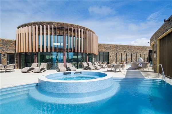 The Headland Hotel and Spa Pool