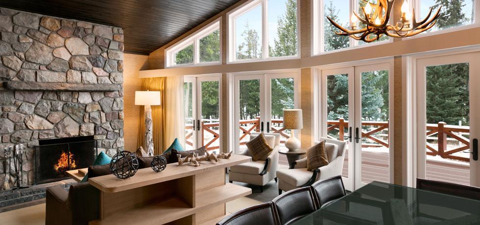 The Fairmont Jasper Park Lodge Lounge