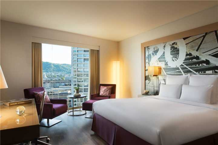 Comfort King Zimmer Renaissance Hotel Zürich Tower