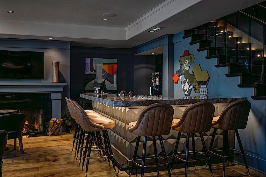 Arts Kensington Bar